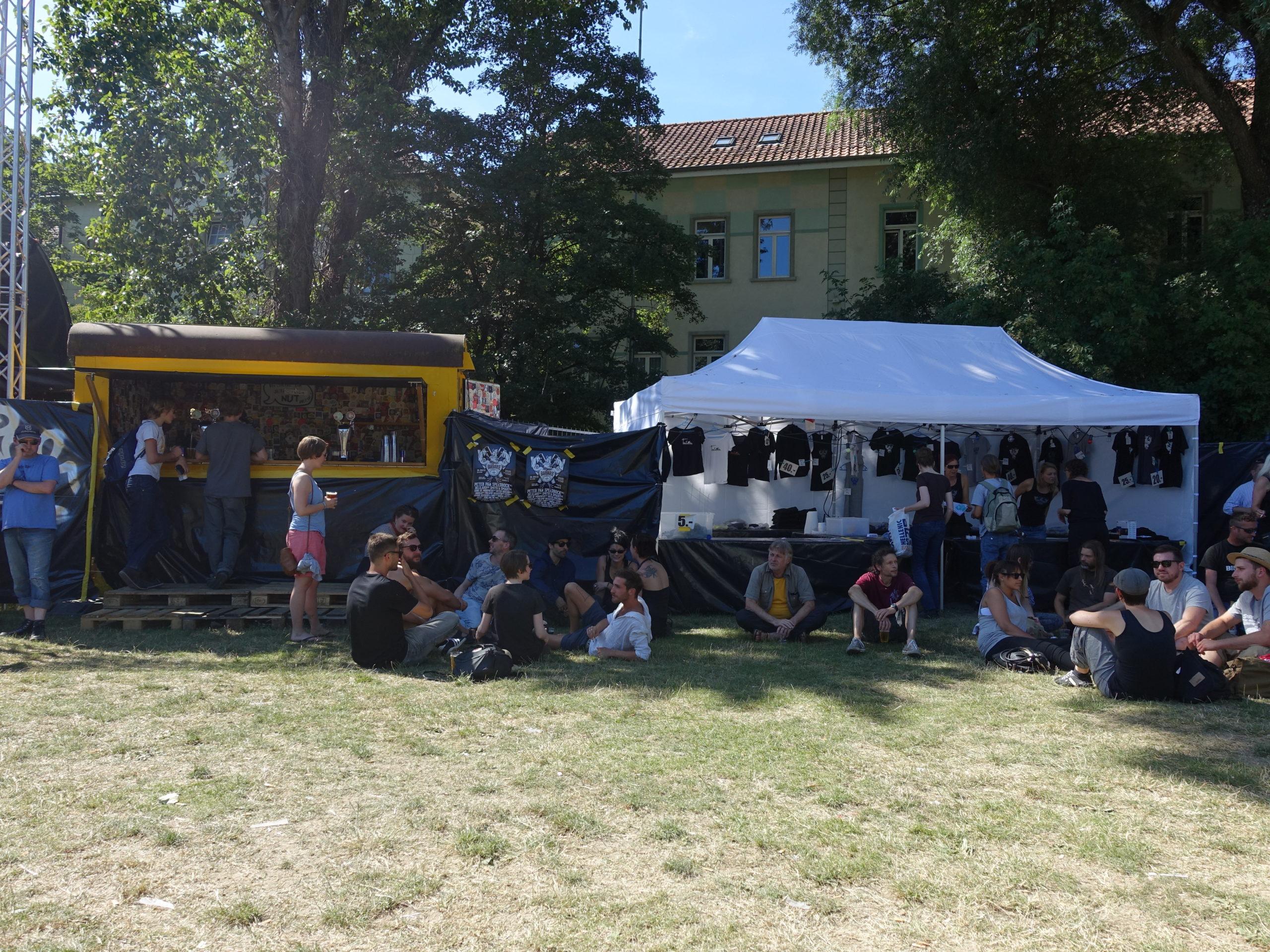 Bierwagen & Merch Stand